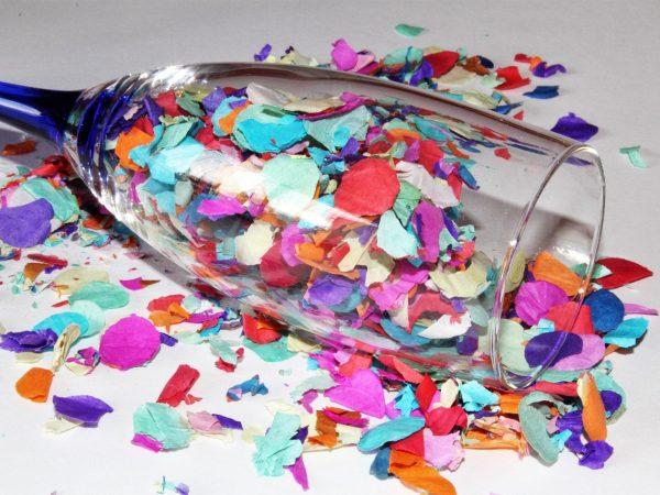confetti in glas